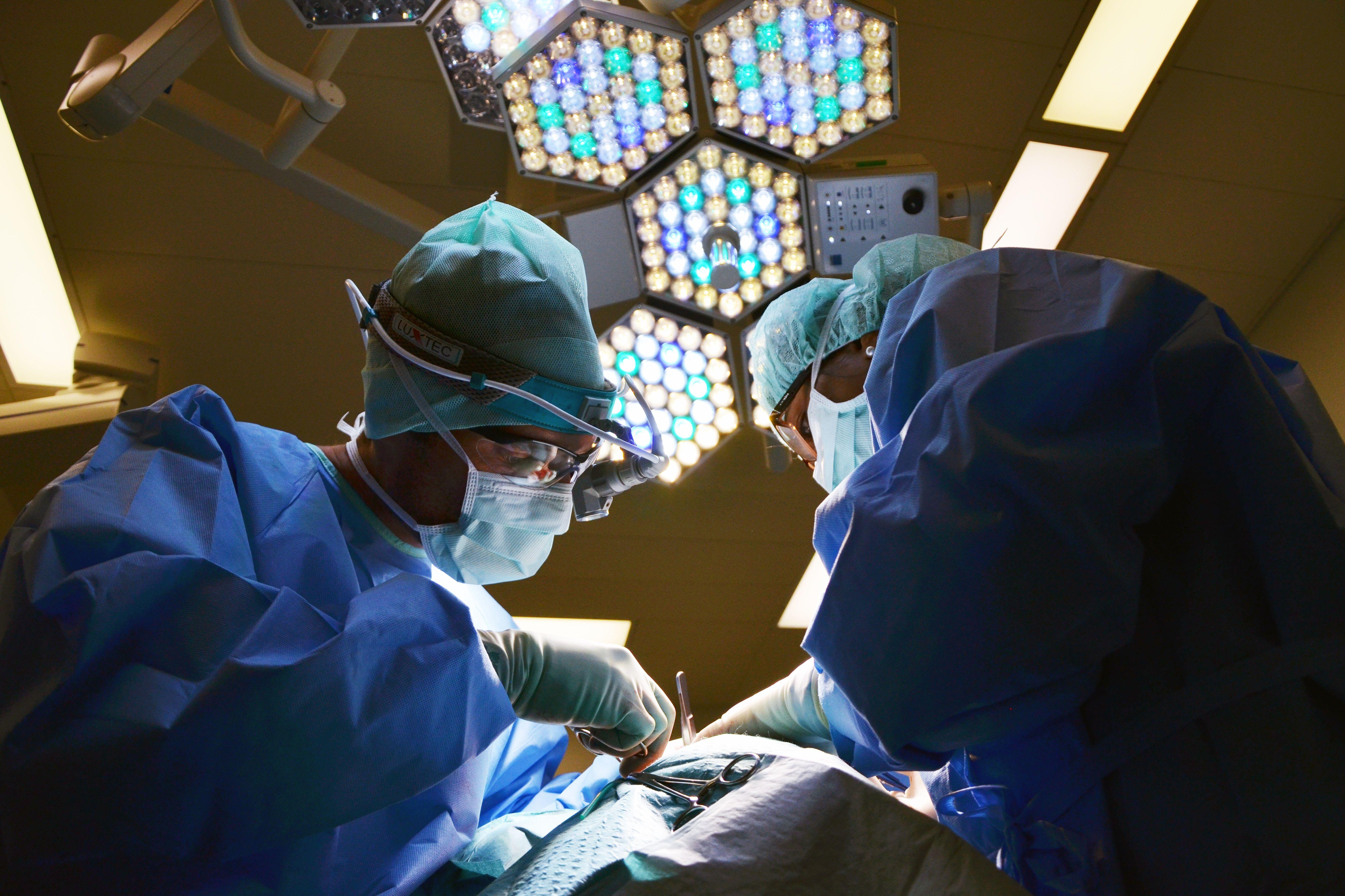 cualificacion-cirujano-plástico