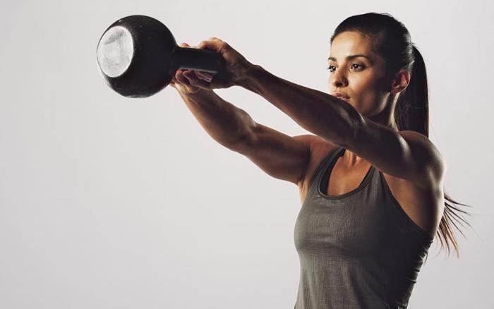 Crossfit y pesas tras aumento de pecho