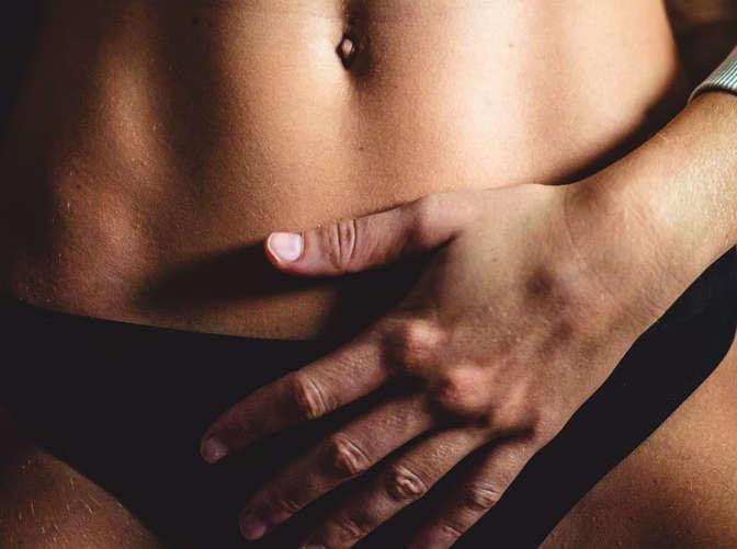 las cicatrices de la abdominoplastia se difuminan día a día, semana a semana y mes a mes